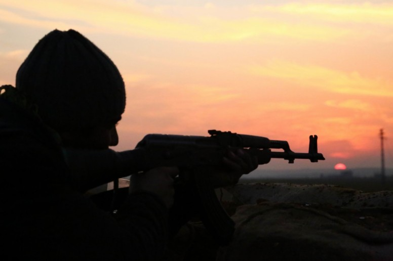 YPG Fighter in Kobane (Photo: DIHA)