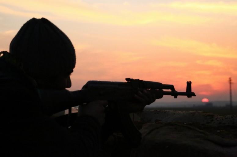YPG Fighter in Kobane (Photo: DIHA)