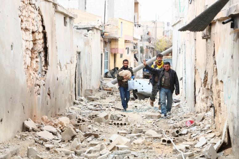 YPG Fighter in Kobane (DIHA)
